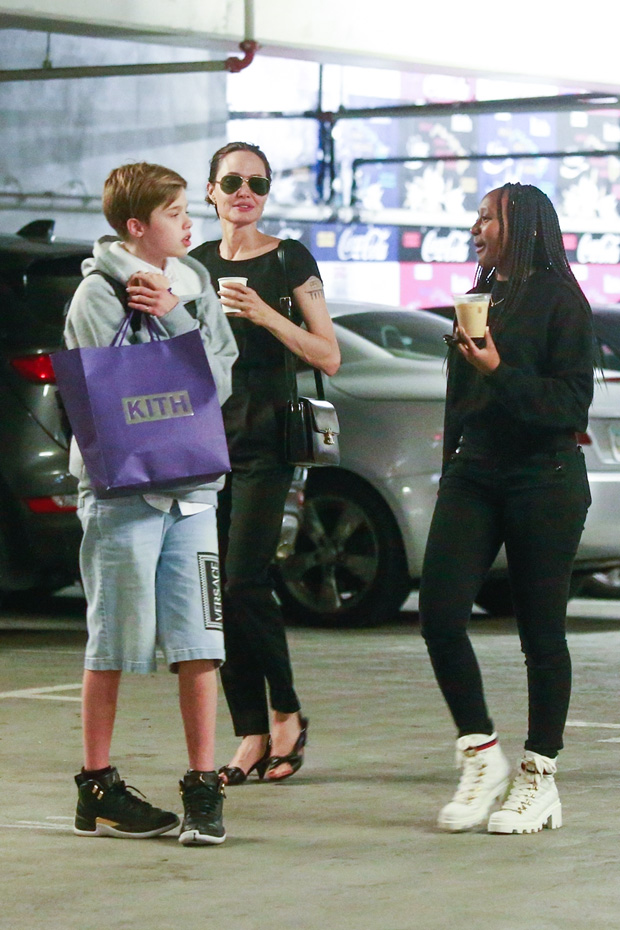 Angelina Jolie and daughters Shiloh Jolie-Pitt and Zahara Jolie-Pitt