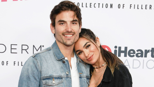 Ashley Iaconetti & Jared Haibon on the red carpet