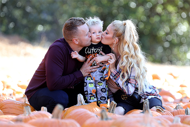 celebs at pumpkin patch with kids