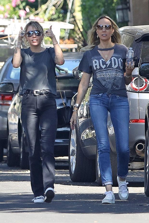 Miley Cyrus & Tish Cyrus