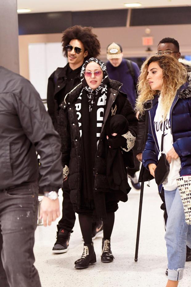 Ahlamalik Williams, Madonna
