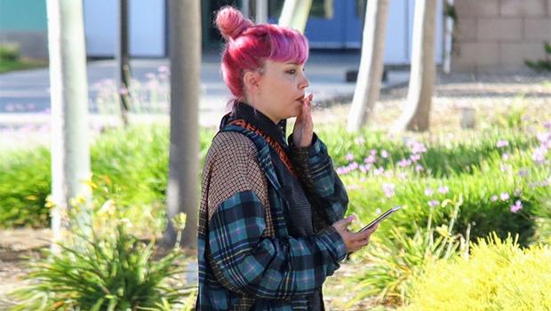 amanda bynes smokes cigarette pink hair