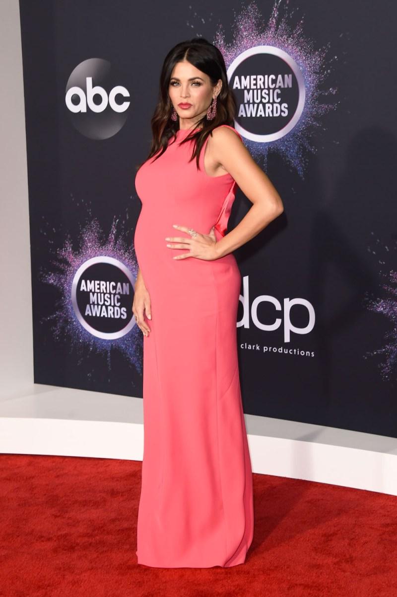 Jenna Dewan S Pregnancy Style Maternity Fashion Photos Hollywood Life