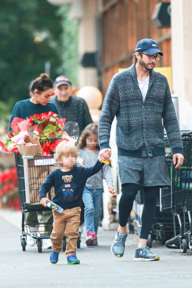 mila kunis ashton kutcher family shopping