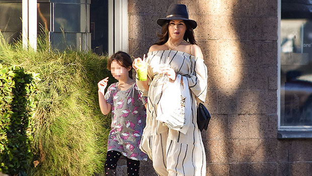 Jenna Dewan out with daughter Everly