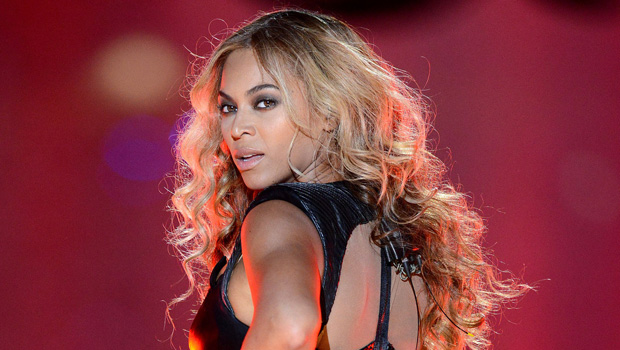Sexiest Super Bowl Halftime Show Outfits Of All-Time: Britney Spears, Beyonce & More