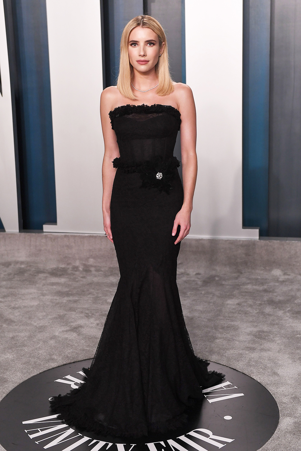 Vanity Fair Party Red Carpet At Oscars 2020 Photos Of Celebs At Event Hollywood Life
