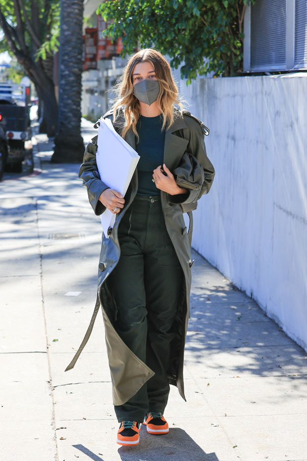 , 14 Stars Wearing Wildly Colored Winter Coats To Beat The Cold: Hailey Baldwin, Gigi Hadid & More,