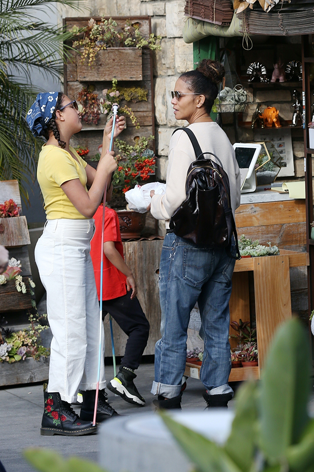Halle Berry & her daughter in LA