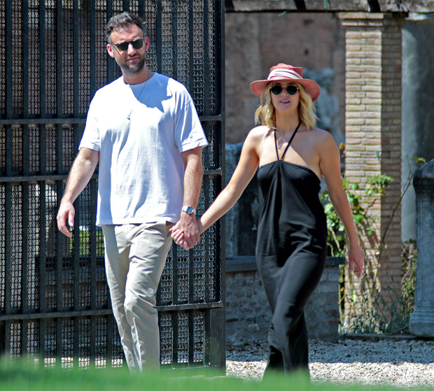 Jennifer Lawrence Is Pregnant, Expecting First Baby With