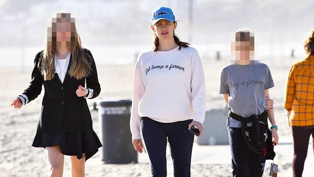 Jennifer Garner & her daughters