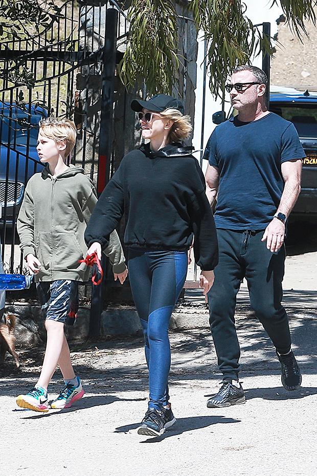 Naomi Watts & Liev Schreiber & their kids