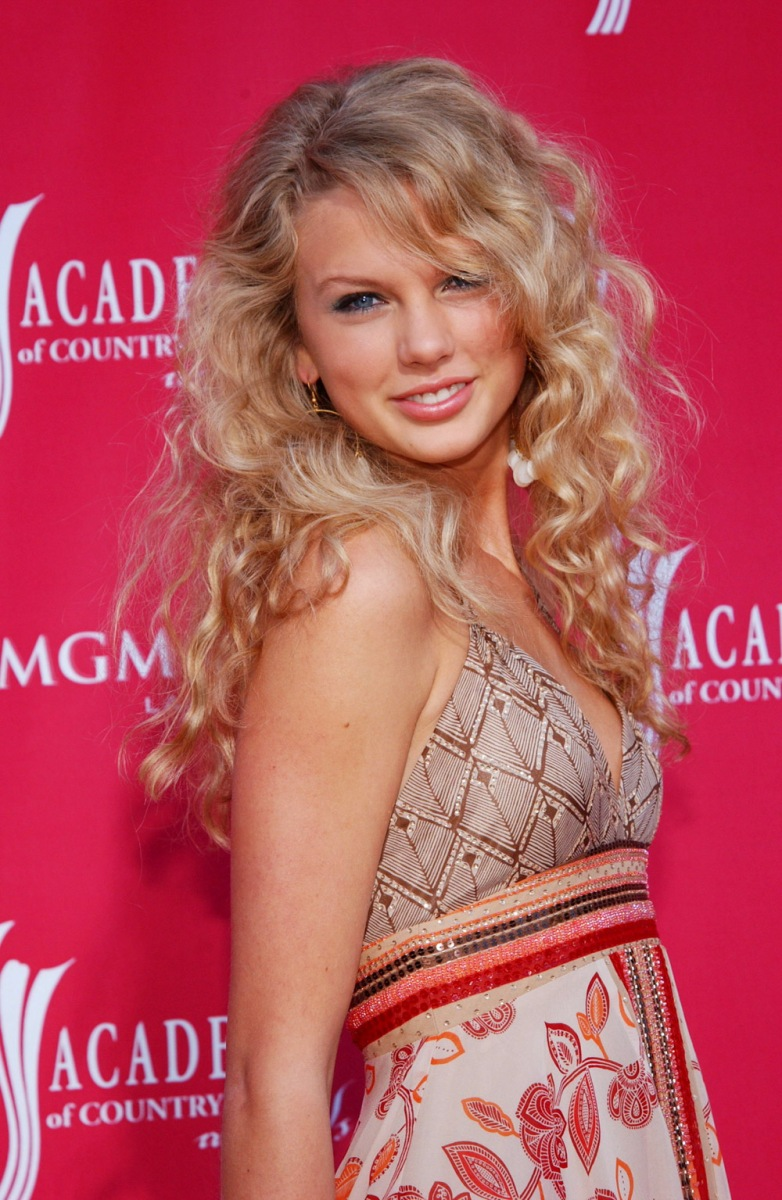 Taylor Swift The Vs Now See Pics Hollywood Life