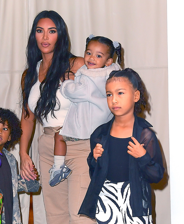 Kim Kardashian with kids, Chicago, North & Saint