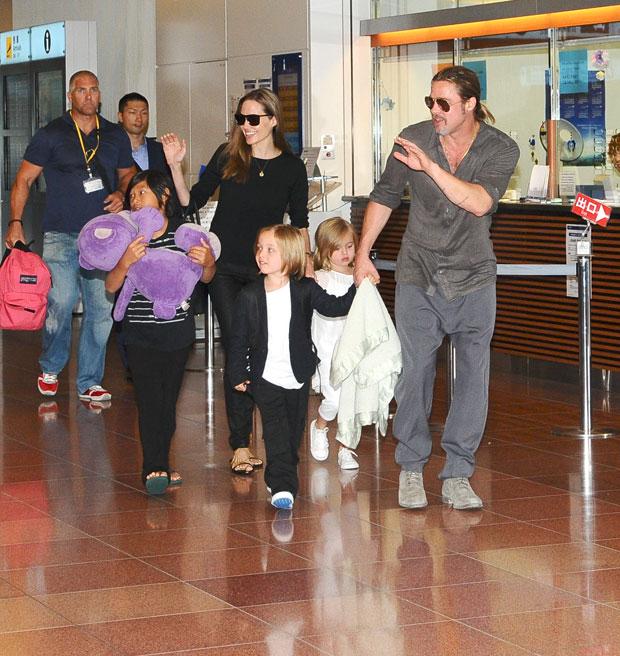 Angelina Jolie, Brad Pitt & their kids in Tokyo in 2013