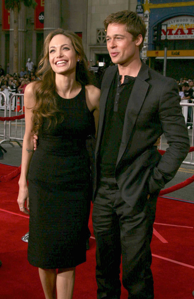 "Photo © 2007 RFJ/The Grosby Group New York, June 5, 2007 ""Ocean's 13"" Los Angeles Premiere - Arrivals - Grauman's Chinese Theater In this picture: ANGELINA JOLIE & BRAD PITT (PGrfj) *** Local Caption *** . (Mega Agency TagID: MEGAR81124_1.jpg) [Photo via Mega Agency]"