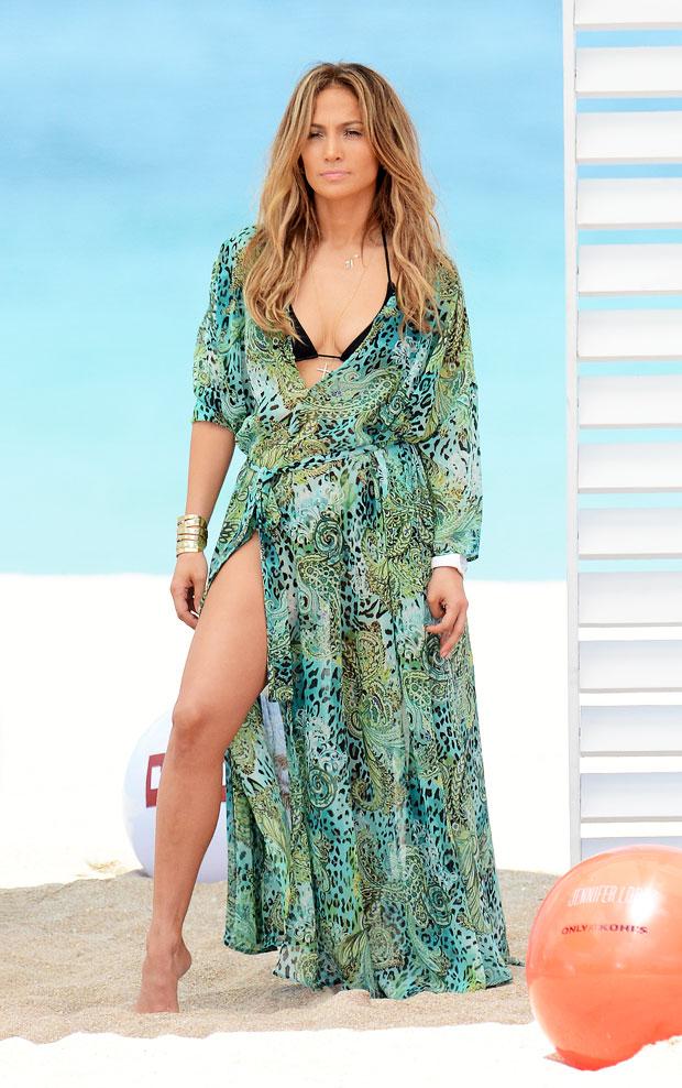 Jennifer Lopez Bikini Pic