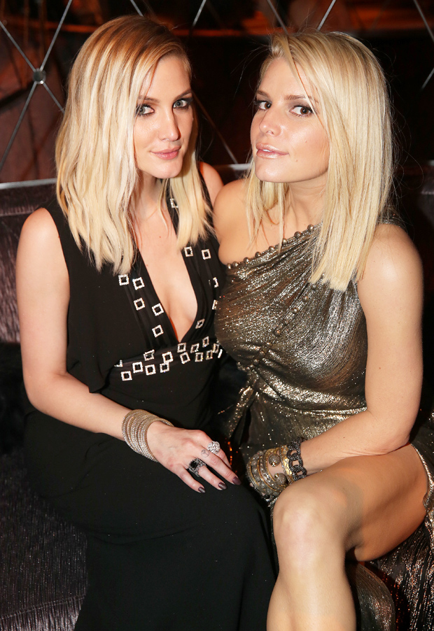 Ashlee and Jessica Simpson