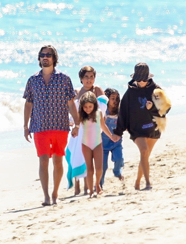 Kourtney Kardashian & Scott Disick & their kids in CA