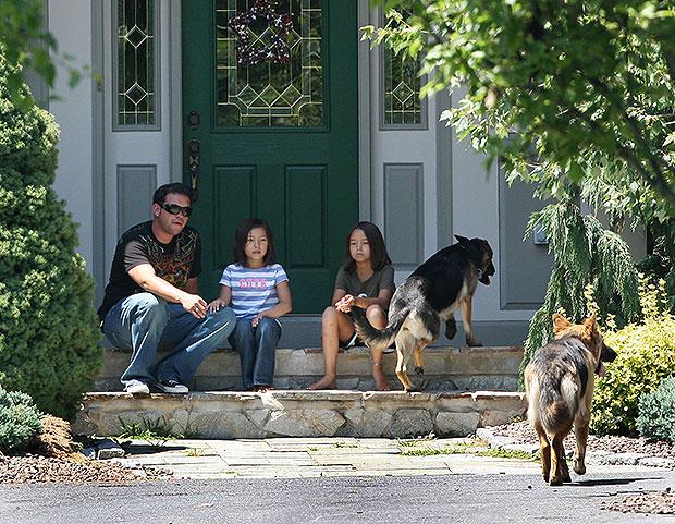 Jon Gosselin and daughters