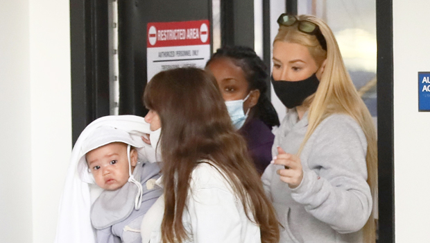 Iggy Azalea & Adorable Baby Onyx, 7 Mos., Fly Out Of Los Angeles Ahead Of Thanksgiving Holiday – Pic
