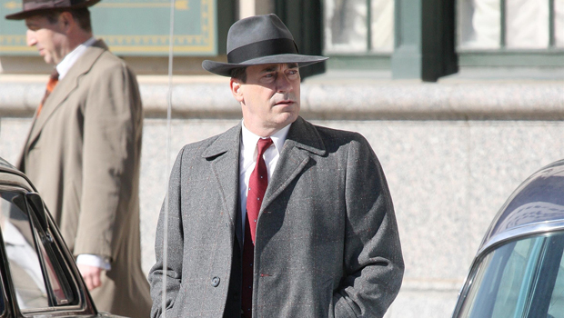 Jon Hamm Looks Just Like Don Draper As He Films His New Movie 'No Sudden Move' In Detroit — See Pic