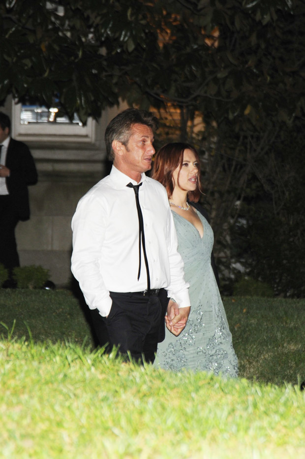 Scarlett Johansson and Sean Penn