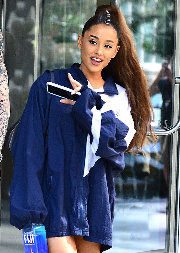 Ariana Grande Engagement Ring Details