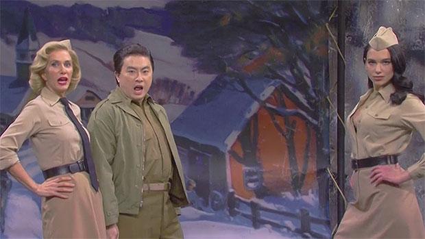 Dua Lipa et Kristen Wiig et Bowen Yang
