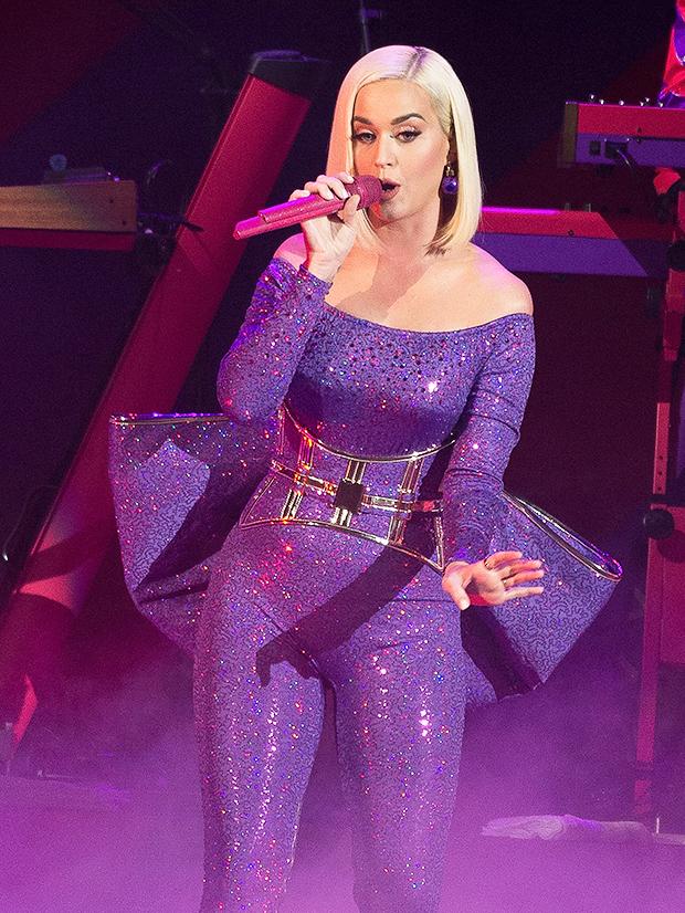 Katy Perry Rocks Spanx Under Dress In TikTok Video — Watch – Hollywood Life
