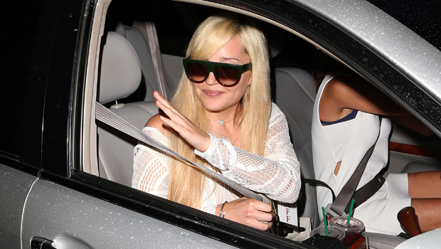 Amanda Bynes Teases New Song 'Diamonds' & Raps About Bling After Debuting Thick New Eyebrows
