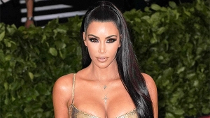Kim Kardashian Shows Off Super Short Hair Makeover While Posing In Sexy Bikini – Pic