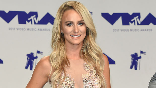 Teen Mom 2's Leah Messer Stuns In Mini Skirt During Girls' Night Out With Country Star Gabrielle Mooney