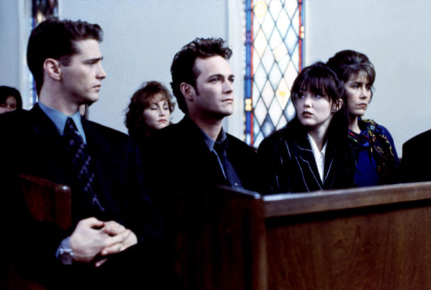 Jason Priestly, Luke Perry, Shannen Doherty and Carol Potter