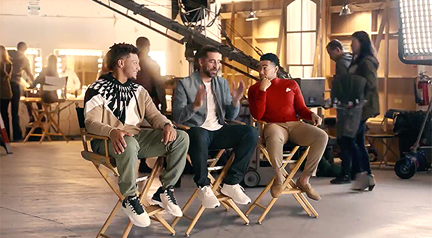 Drake In State Farm S Super Bowl Commercial For 2021 Ad Watch Here Hollywood Life