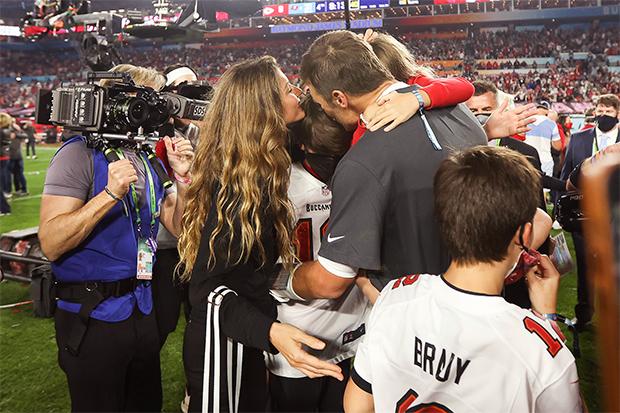 Gisele Bundchen & Tom Brady with their kids at Super Bowl 2021