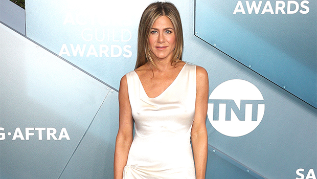 'Friends' Fans On TikTok Have Noticed Jennifer Aniston's Quirky 'Vocal Tic' & Now It Can't Be Unheard.jpg