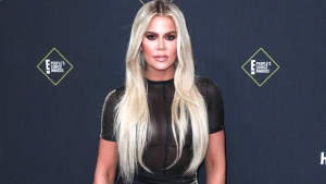 Khloe Kardashian Assures Fans She Doesn't Have Huge Feet & 'Freakishly Long' Fingers After Pics Go Viral