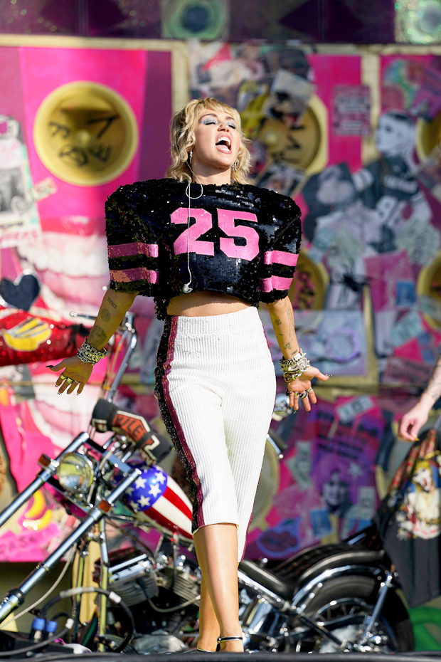 Miley Cyrus Super Bowl 2021
