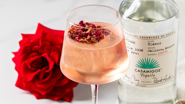 Fall In Love With These Romantically Delicious Cocktails For Valentine's Day