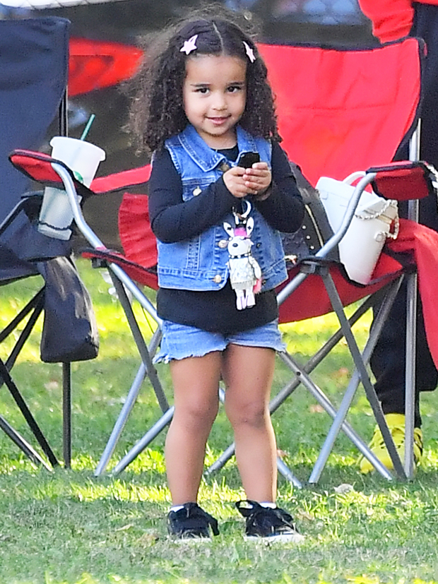 Dream Kardashian Reads Her Storybook Bible With Brother King Cairo – Hollywood Life