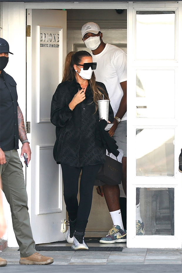 khloe kardashian tristan thompson masks