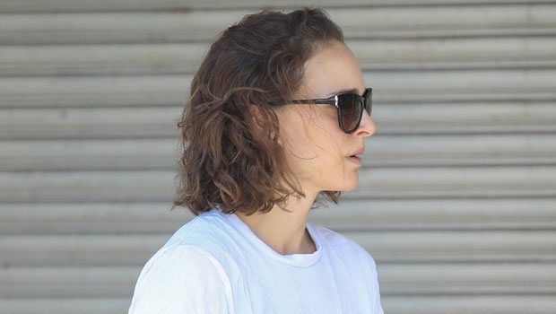 Natalie Portman Rocks High-Waisted Daisy Dukes While Out & About In Australia — Pics - HollywoodLife