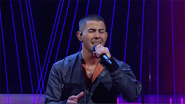 Nick Jonas Turns 'SNL' Stage Into Futuristic Rocket Ship For Epic 1st Performance Of 'Spaceman'