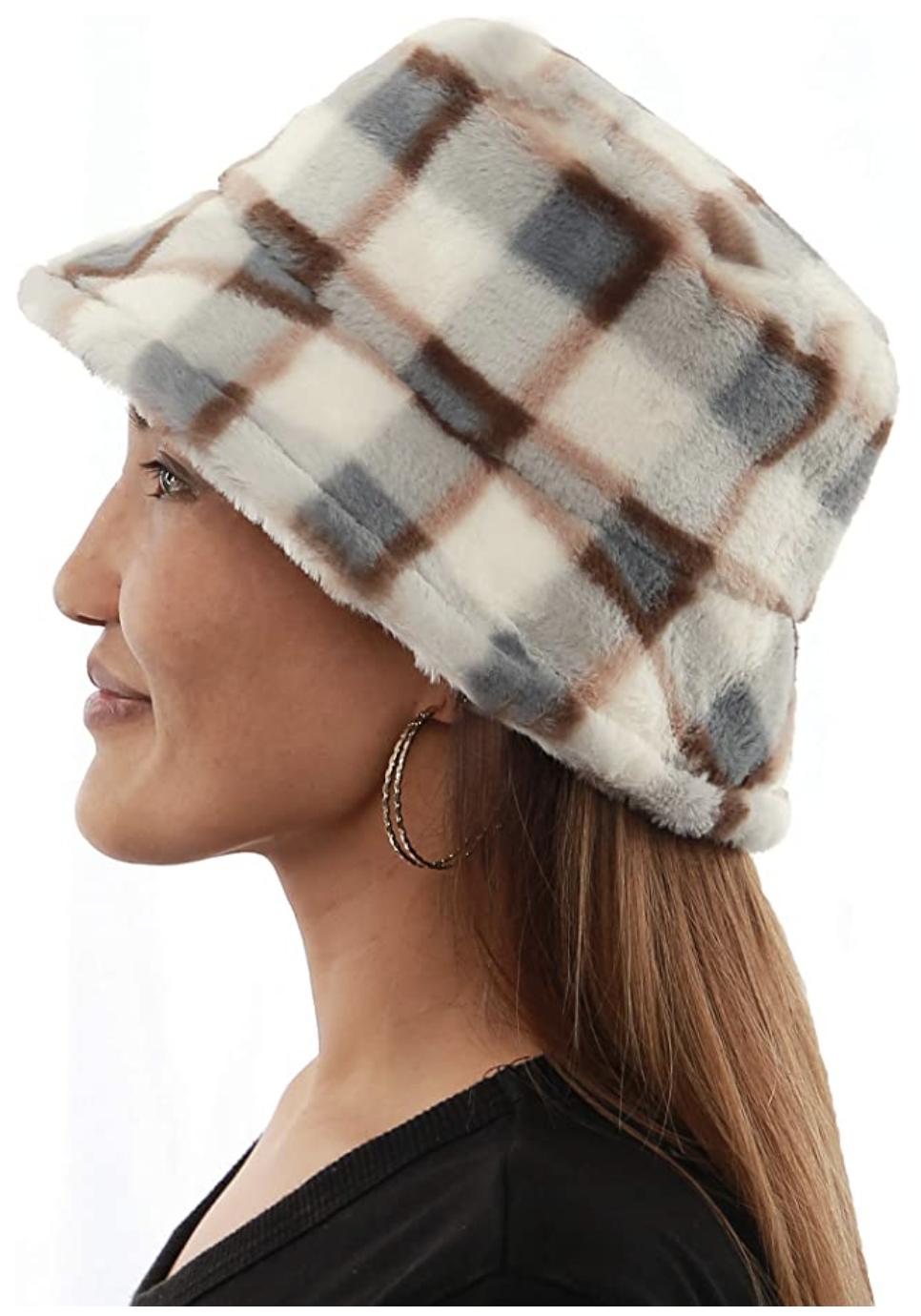 plaid furry bucket hat