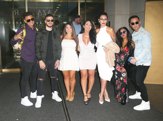 , Snooki Spotted Filming 'Jersey Shore' With Angelina After Quitting The MTV Show: See Pic, Indian & World Live Breaking News Coverage And Updates