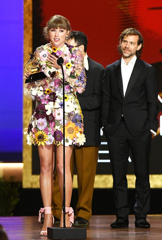 Taylor Swift Thanks Joe Alwyn After Album Of The Year Win ...
