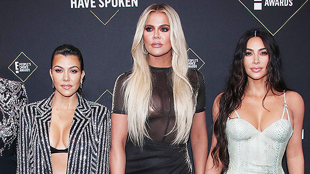 Kim Kardashian Gives The Middle Finger & Bonds With Sisters Amid Kanye Divorce: '4EVA'