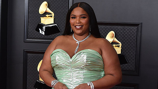 Lizzo Sheds Her Clothes To Make Powerful Statement About Natural Beauty: 'Let's Get Real Ya'll'