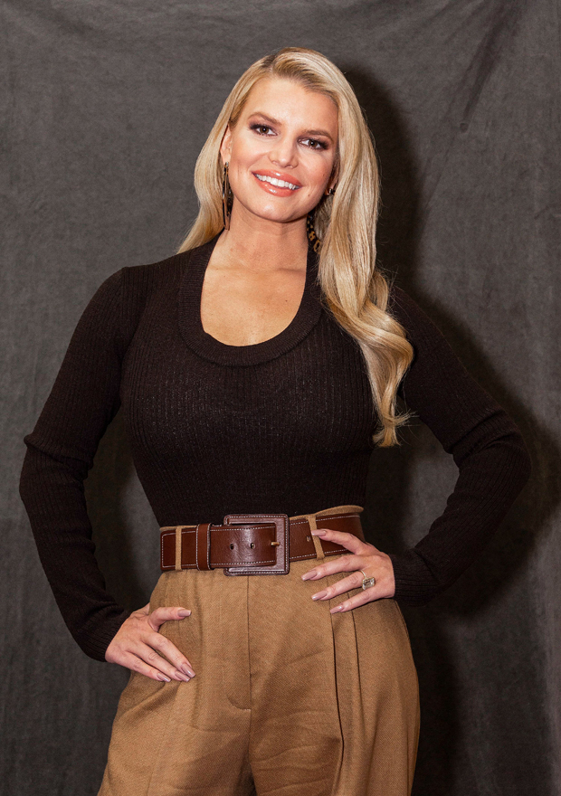 Jessica Simpson Goes Completely Makeup & Filter-Free For Stunning Morning Photos